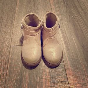 Used play condition osh kosh boots